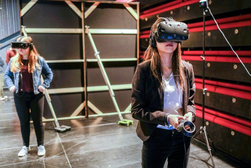 Explore Virtual Reality